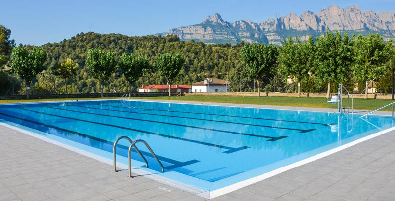 Publicas municipales 2 piscinas condal for Piscinas rectangulares