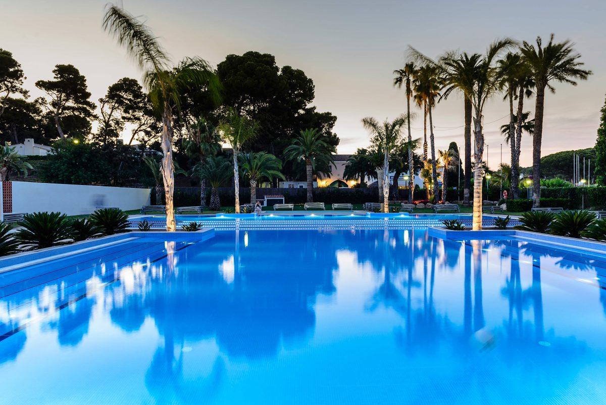 el dorado playa cambrils piscina