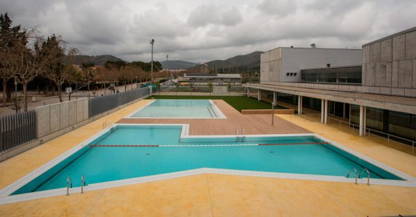 municipal-piscina-publica-condal
