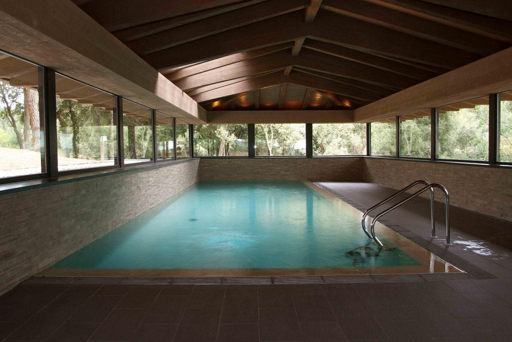 piscinas hotel mas torrent