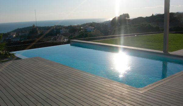 Construcci n de piscinas privadas piscinas condal - Construccion piscinas barcelona ...