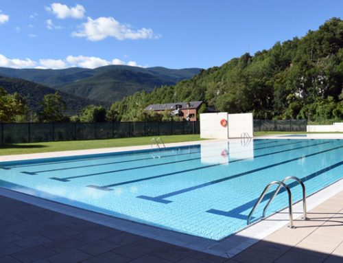 Publicas municipales 3 piscinas condal for Piscina publica barcelona