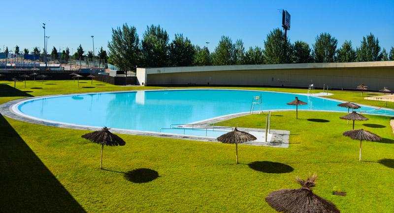 Publicas municipales 3 piscinas condal for Piscinas en carrefour 2017