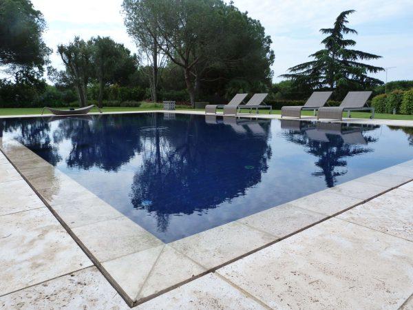 piscina en llavaneres
