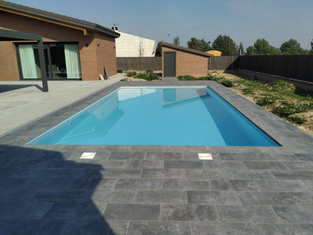 piscina family lleida